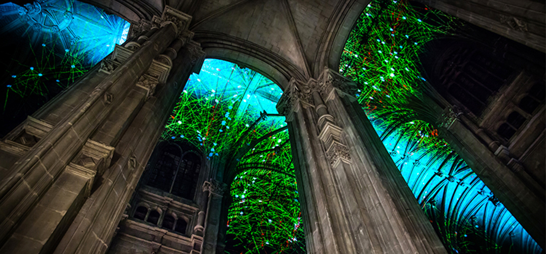 巴黎圣尤斯特歇斯教堂呈现天堂的拱顶