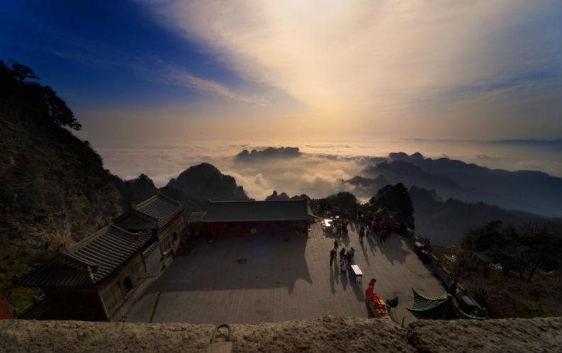 武当山,道教圣地,位于湖北省十堰市境内.