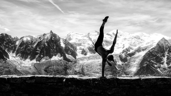 Ballerina Strikes Incredible Poses On Mountain 7