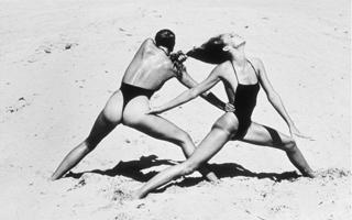 情色与时尚:Helmut Newton时尚摄影作品