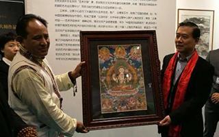 尼泊尔国宝级唐卡大师卡桑喇嘛赠送精美画作