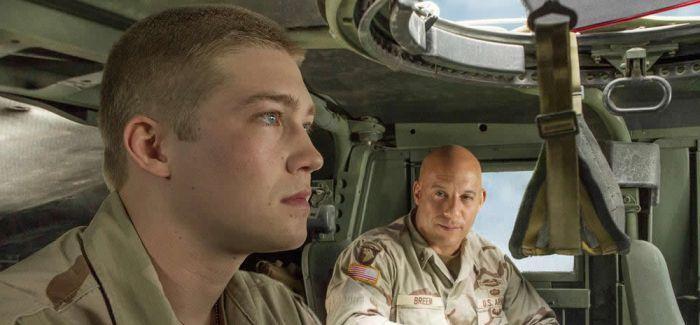 《比利·林恩的中场战事》:英雄的最后归处
