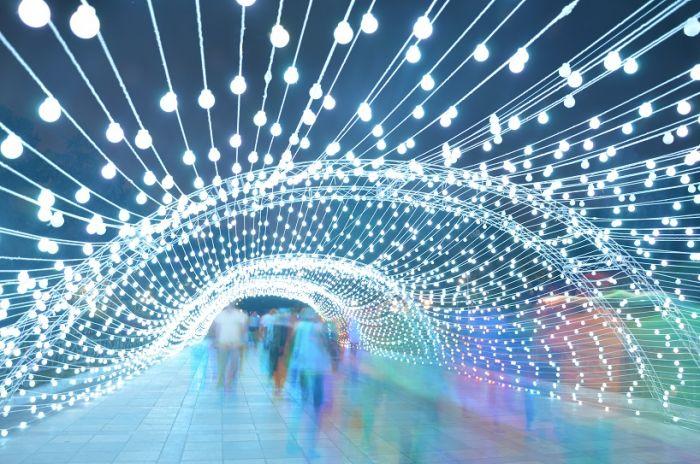 德黑兰八十米长梦幻灯光隧道_设计_生活方式_凤凰艺术