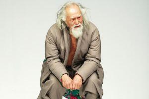 玩转T台的80岁大爷为我们证明年龄只是浮云