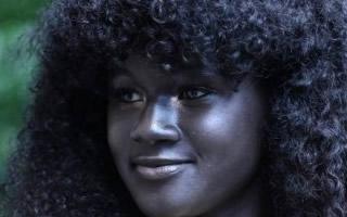 肤色掩盖不住的自信耀眼   19岁女孩的深黑之美
