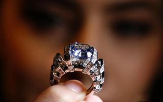 罕见蓝钻以高价成交:璀璨夺目 一颗恒久远