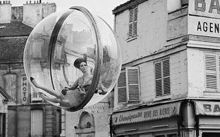 1963年的巴黎:气泡里的女孩