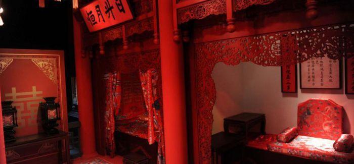 """香港""""清帝大婚""""展览开幕 150组故宫藏品亮相"""