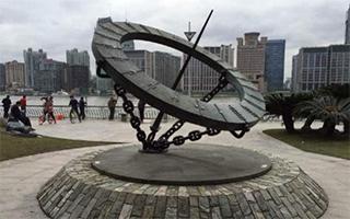 英国艺术家控诉抄袭后上海移除雕塑