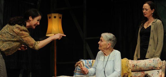 上海当代戏剧节  《暗夜潜流》展现的澳式寂寞和人性扭曲