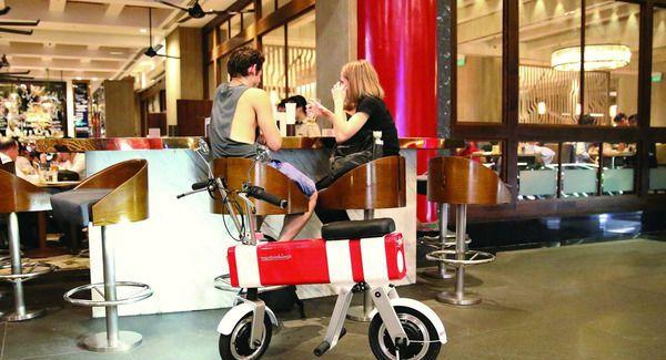 这辆新加坡电动车有多牛 竟能解决所有出行痛点!