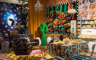 迈阿密巴塞尔艺术博览会上三个艺术家联手创作