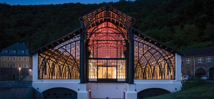 """来欣赏一个被誉为""""铁的教堂""""它是革命时代建筑典范"""