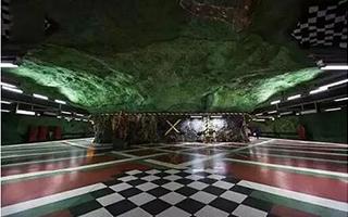 地下深处的最长美术馆