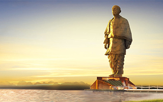 印度建造全球最高雕像计划引发一名外国前政客批评