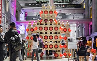 """新加坡国家美术馆周年庆上的""""机器人"""""""