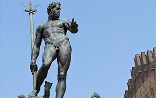 """青铜裸像图片遭Facebook审查:称其""""过度展示身体"""""""