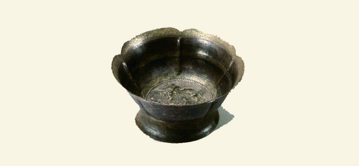 唐代鎏金摩羯纹多曲银碗跟丝绸之路有何关系