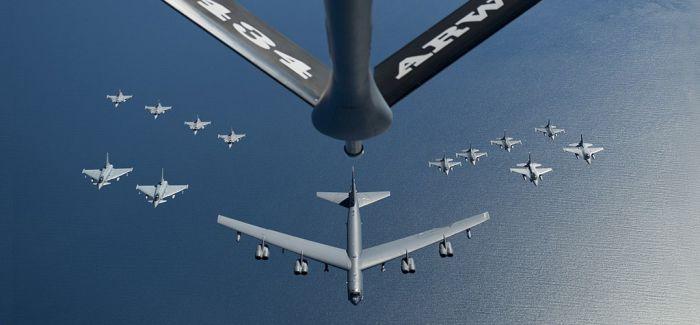 美国空军发布2016年度最佳图片