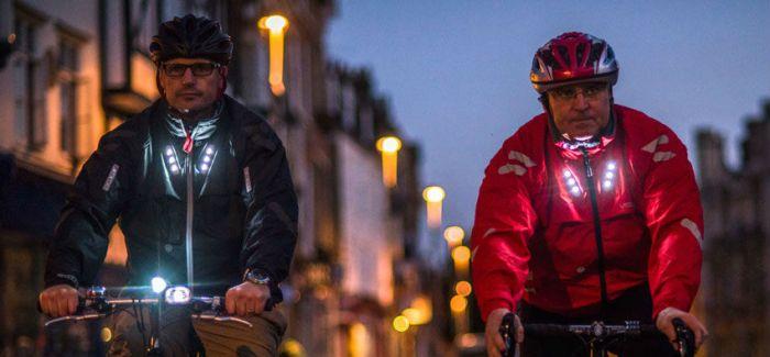 """会""""说话""""的智能夹克 让夜间骑行更安全"""