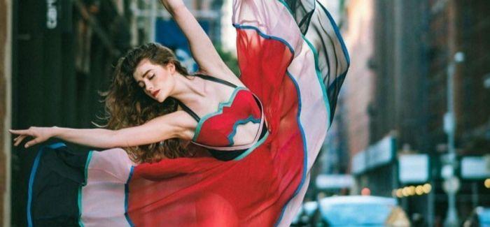 喧嚣中的优雅 芭蕾舞者点亮纽约街头