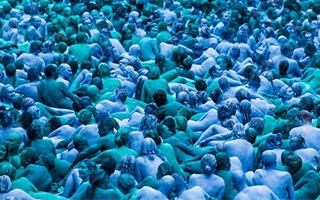 全球最疯狂的15个行为艺术