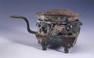 从刻辞卜骨到金缕玉衣:看文物如何讲述早期中国文明