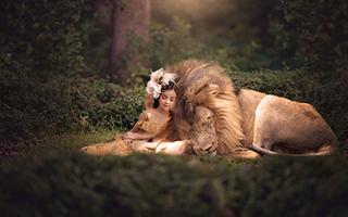 """孩子与野兽:来自""""童话""""的照片"""