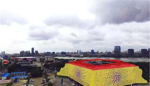 作者:谷文达 作品名称:《西游记.天堂红灯系列上海站》 尺寸可变 材质:大地艺术,2016年第贰届大众当代艺术日上海站项目