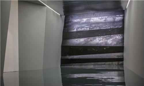 作者:郑重宾 作品名称:《层层天墙》 尺寸可变 材质:综合材料