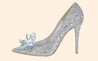 """""""水晶鞋""""成了热门时尚"""