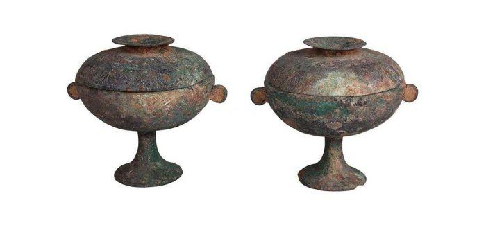 纹饰多样的青铜豆