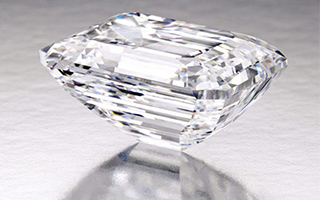 100克拉完美无瑕钻石将在纽约拍卖 估价2500万美元