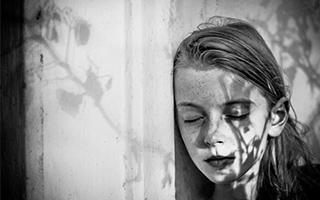 全球黑白儿童摄影大赛获奖作品赏析