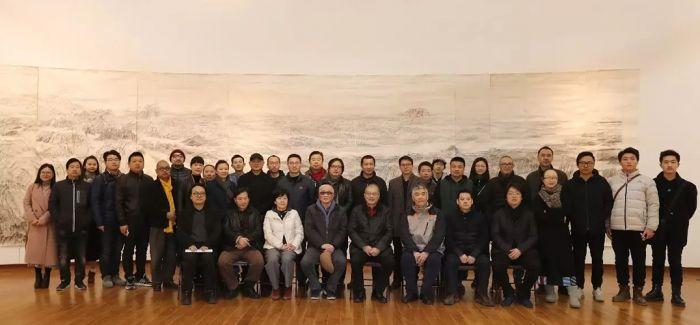 新闻联播出镜率最高的画 手稿全部捐给中国美院