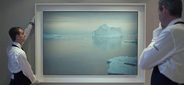 苏富比当代艺术总成交近10亿 里希特《冰山》领衔