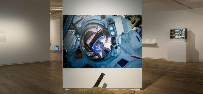 央美术馆推出艺术家群展《都市折叠》