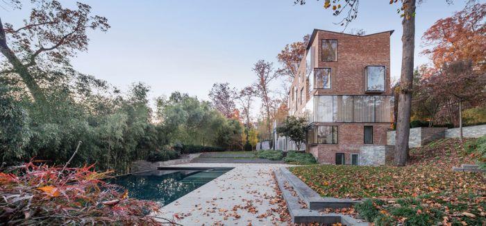 波士顿一座旧砖房子被改造成现代低调奢华住宅