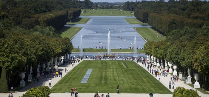 凡尔赛宫今年秋天将展出十位当代艺术的作品