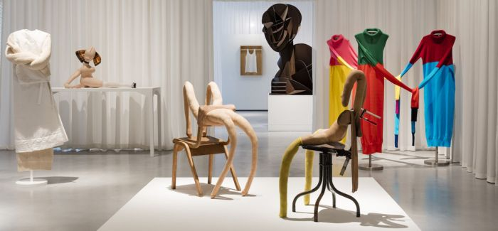 J.W. Anderson策划首次时装艺术展《不服从的身体》