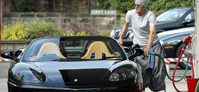贝克汉姆昔日爱车法拉利下周拍卖 预计10万英镑