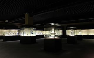 马未都:香港机场宝库1号开启后 香港买东西有地放