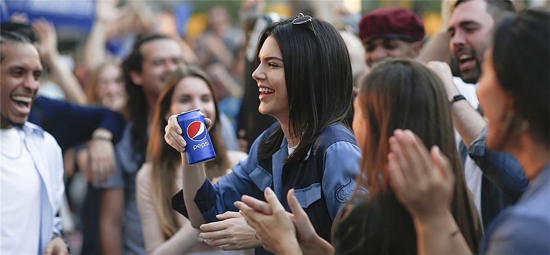 一罐汽水就能换世界和平?Pepsi 撤下