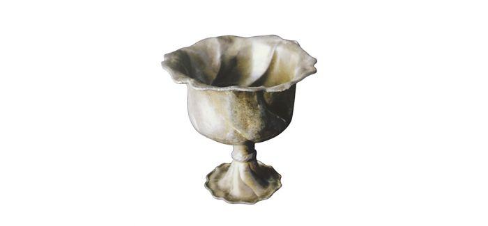 花口银质高足杯辨析