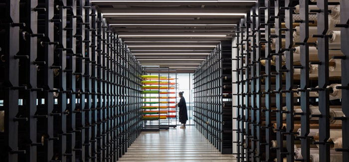 为什么每个时装设计师都应该去看看这间布料图书馆?