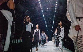 上海时装周第一次离大众那么近 时尚也是