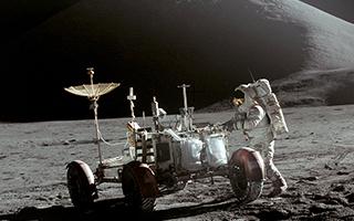 阿波罗15飞船秘密携带货物被拍卖