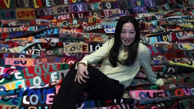 """艾敬:一个用爱制造世界的民谣诗人""""我的当代艺术十年"""""""
