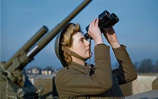 英国帝国战争博物馆发现二战珍贵彩色照片