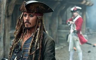 """《加勒比海盗5》定档5月26日 """"杰克船长""""亮相上海"""